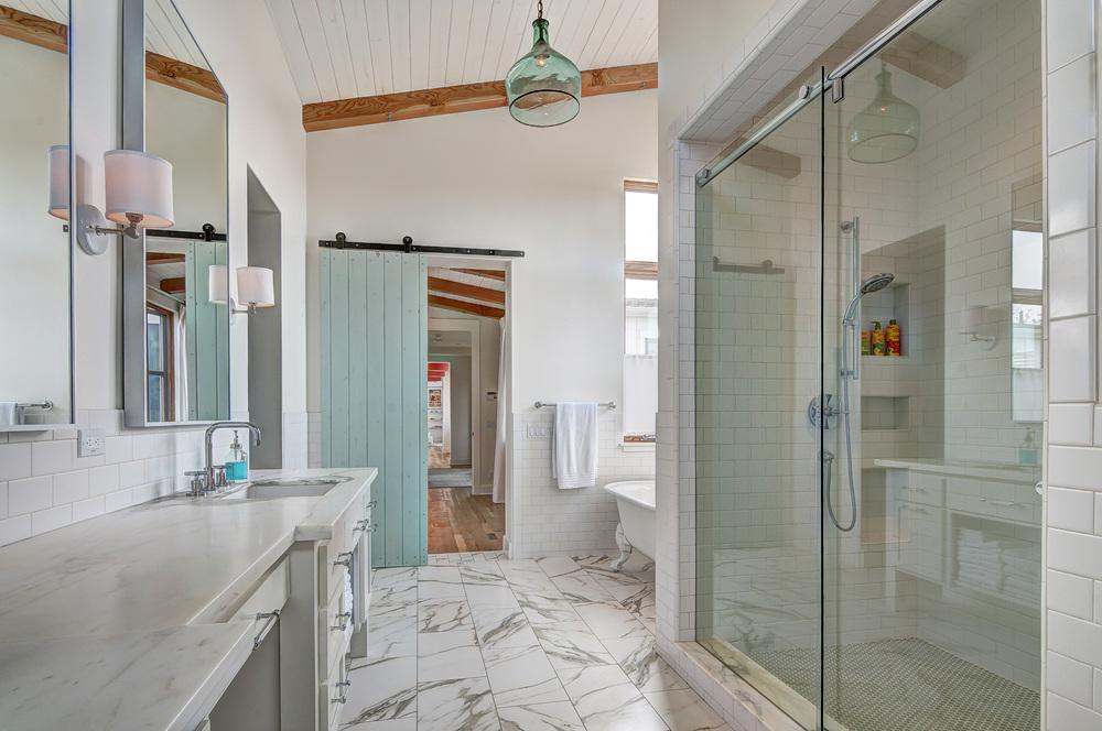 Master Bath 1-5.jpg