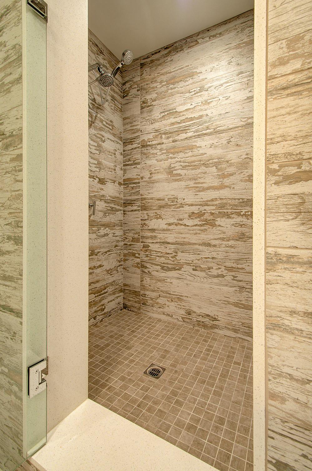 LR_Bathroom-2.jpg