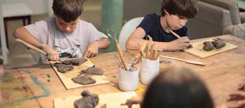 Um tempo de escuta, liberdade e conhecimento - Oficinas Criativas para criançasQuartas -das 17h às 20h