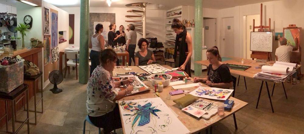 Experimentar, descobrir e deixar fluir - Oficina Criativa com Beth Rocha, Joana Chieppe e Lucas GianniniSegundas - 17h às 19h e das 19h às 21hQuintas - 15h às 17h e das 17h às 19h