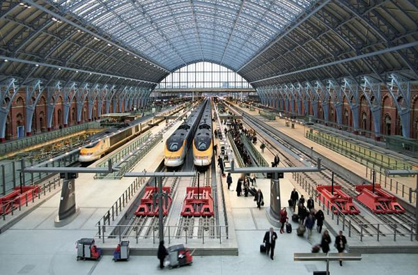 When thinking about the future of Los Angeles' Union Station, it's useful to look overseas. In London, authorities are adding to the retail mix at St Pancras International station (home to Eurostar high speed trains, commuter rail, and the London Underground).) The station already has 90,000 sf of commercial space.