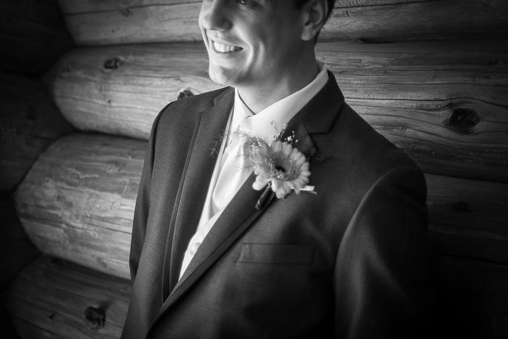Edmonton_Photographer_Weddings.jpg