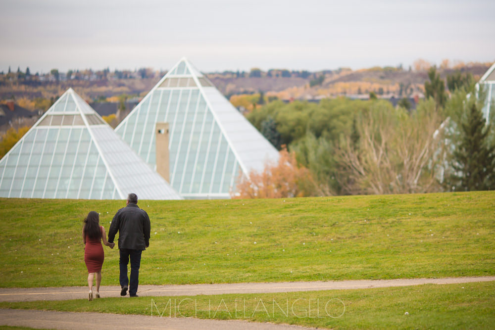 201609300001Edmonton-Photographer-Engagement-Sessions-Ali-&-Farina-9671.jpg