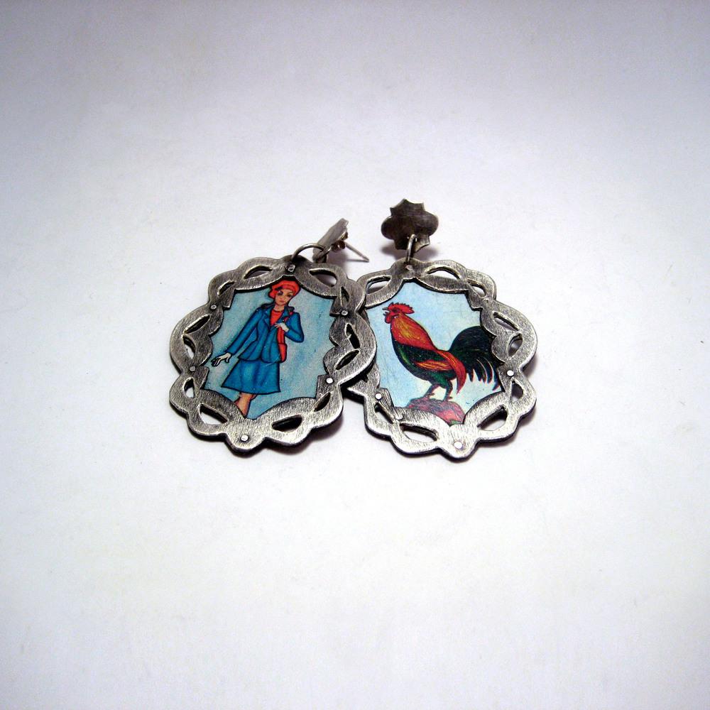 La Dama y El Gallo Loteria Earrings