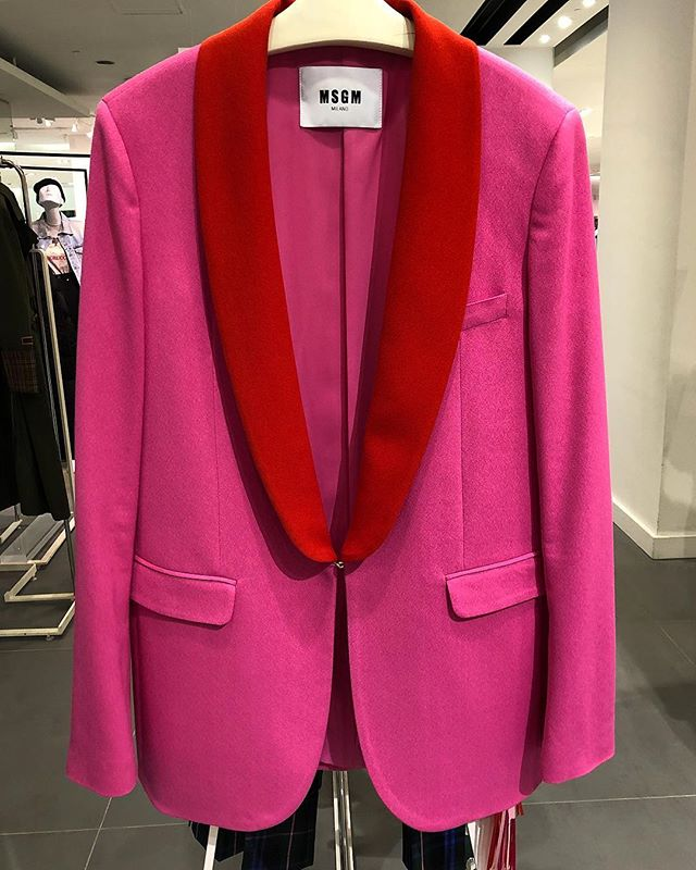Red lapel day @msgm  #pink #blazer #jacket #msgm #torontoshopping
