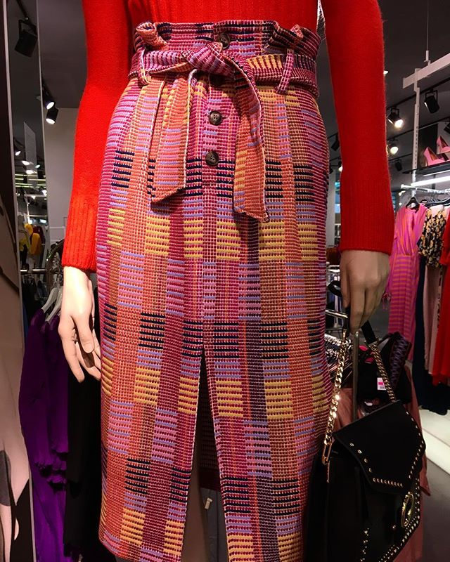 Fit to be tied @topshop  #paperbagwaist #skirt #topshop #torontoshopping