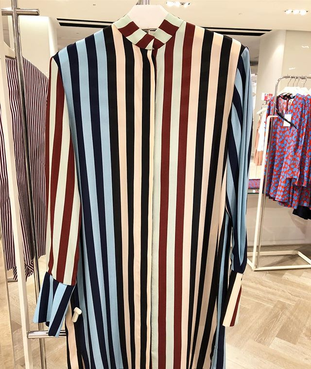 Colouring inside the lines @dvf  #dress #shirtdress #stripes #dvf #torontoshopping