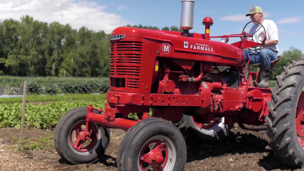 red-tractor.png