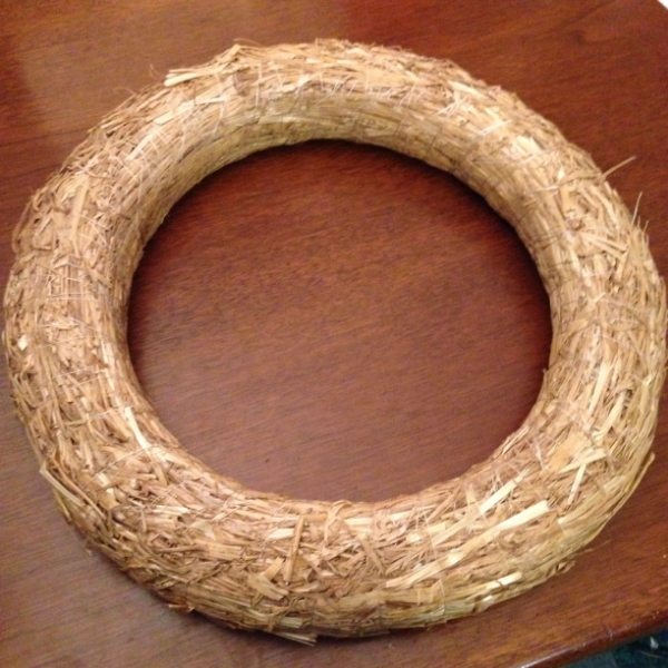 hay-wreath-base