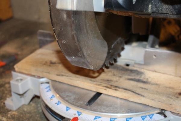 Cutting a pallet