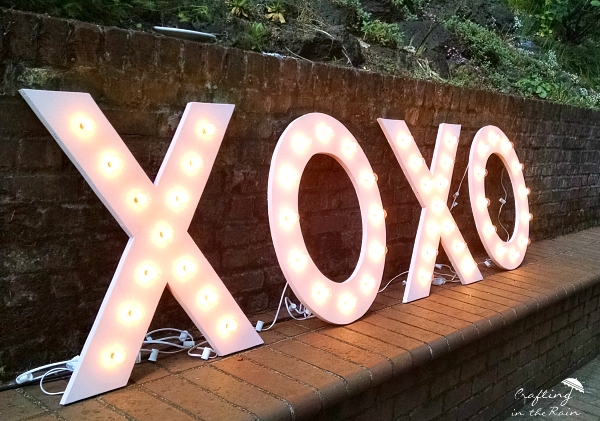 xoxo marquee sign