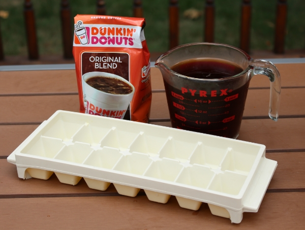 ingredients to make coffee iced cubes