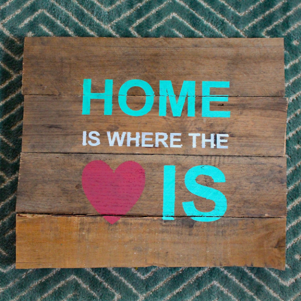 Pallet Signs Part - 35: How To Stencil A Pallet Sign: Home Is Where The Heart Is Pallet Sign