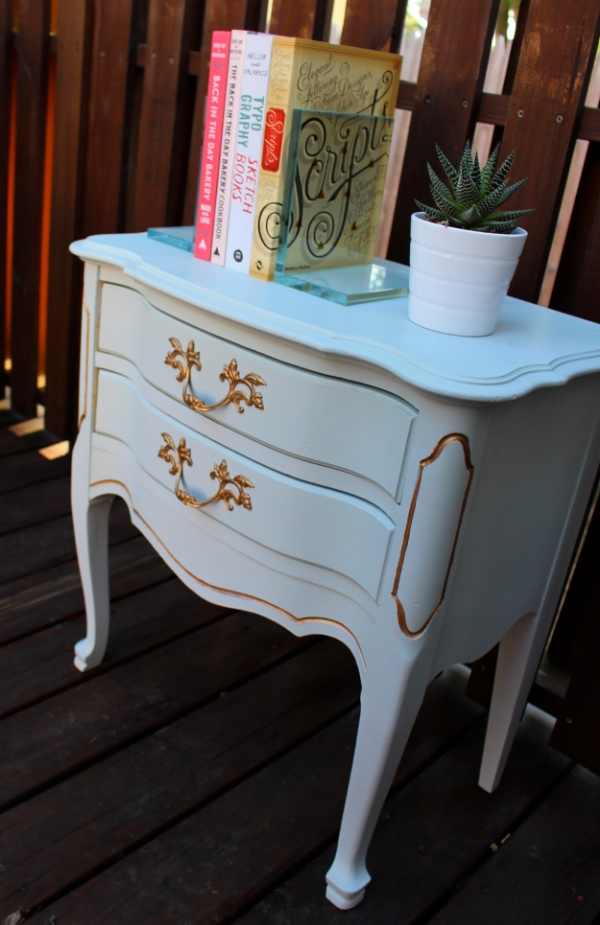 DIY Refinished French Provincial End Table with Amy Howard Chalk Paint