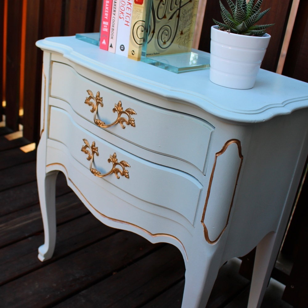 French Provincial End Table Makeover — Weekend Craft