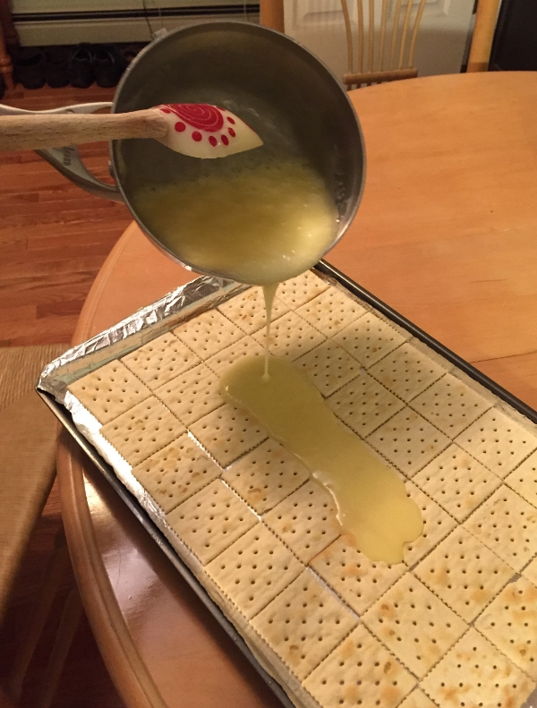 pour sugar mixture over saltines