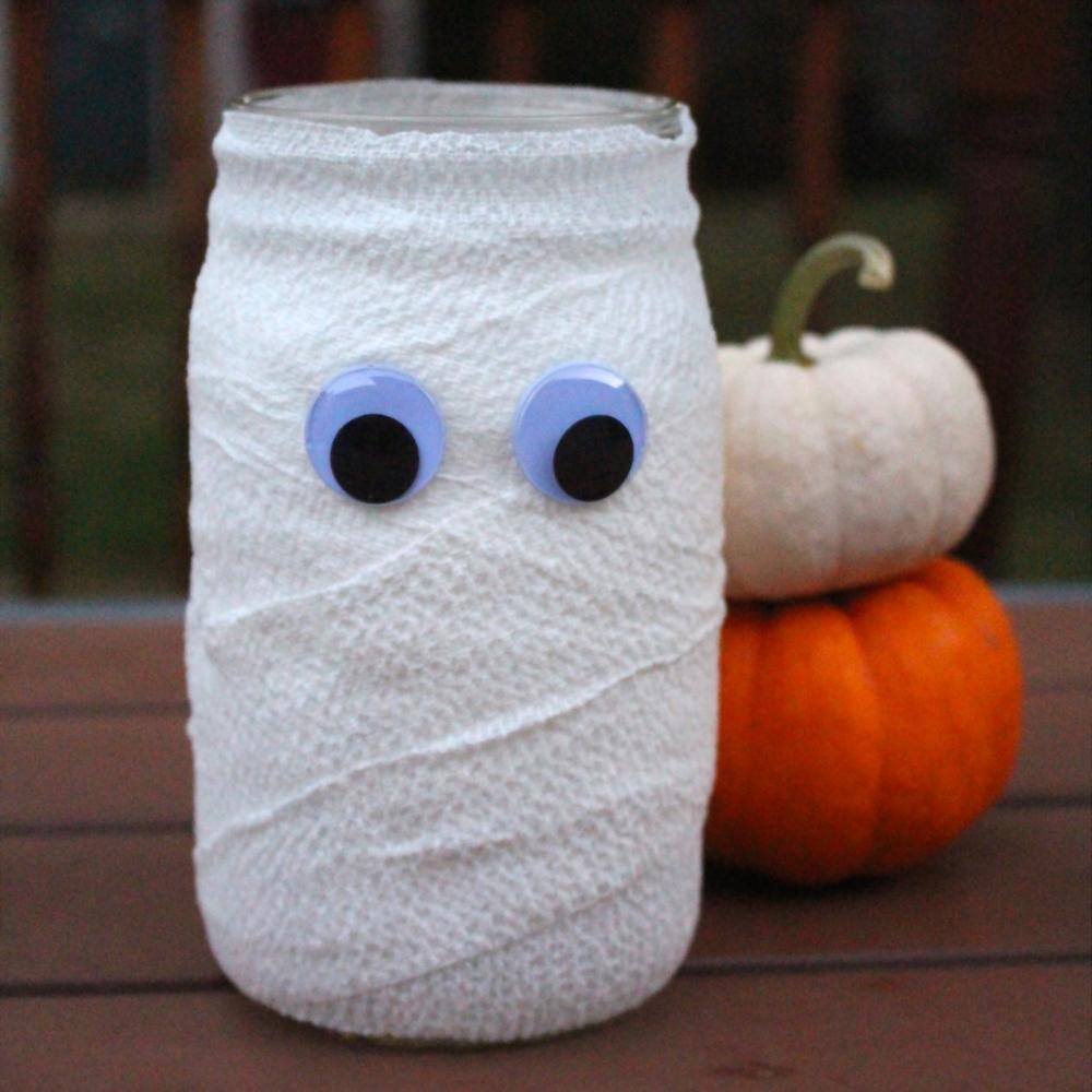 halloween mason jar mummy — weekend craft