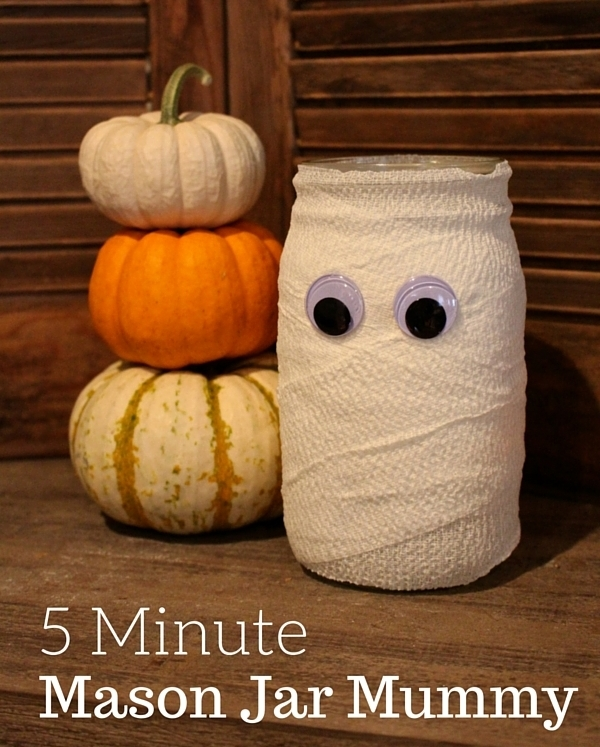 Halloween Mason Jar Mummy