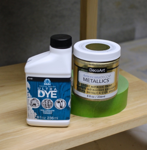 Supplies to dye wood
