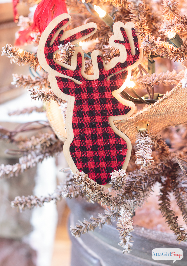 buffalo check plaid christmas tree from weekend craft - Buffalo Plaid Christmas Decor