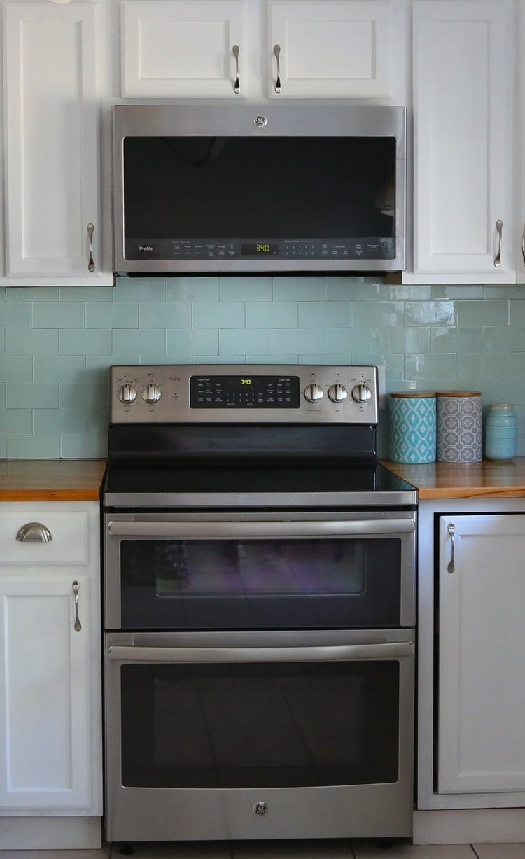 Choosing the right oven and microwave — Weekend Craft on kitchen appliances equipment toools, kitchen stoves and ovens, kitchen designs with black appliances,