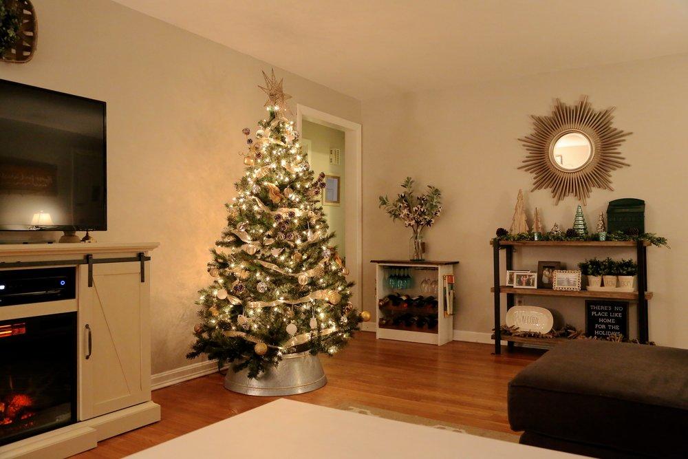 Mixed Metals Neutral Farmhouse Christmas Tree2