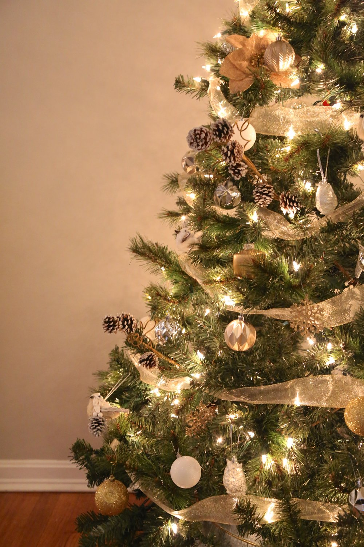 Mixed Metals Neutral Farmhouse Christmas Tree3