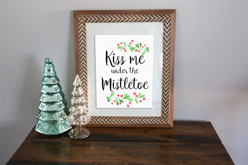 Kiss_Me_Under_the_Mistletoe.png