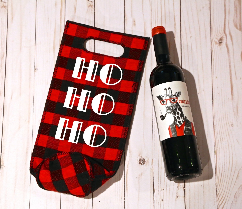DIY HTV Christmas Wine Gift Bag