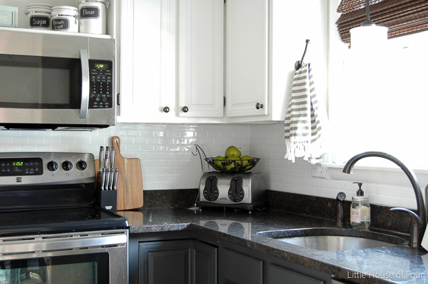 peel and stick backsplash