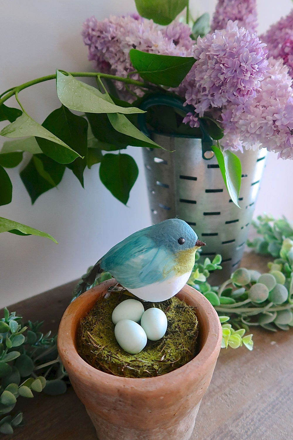 Bird terracotta spring decor