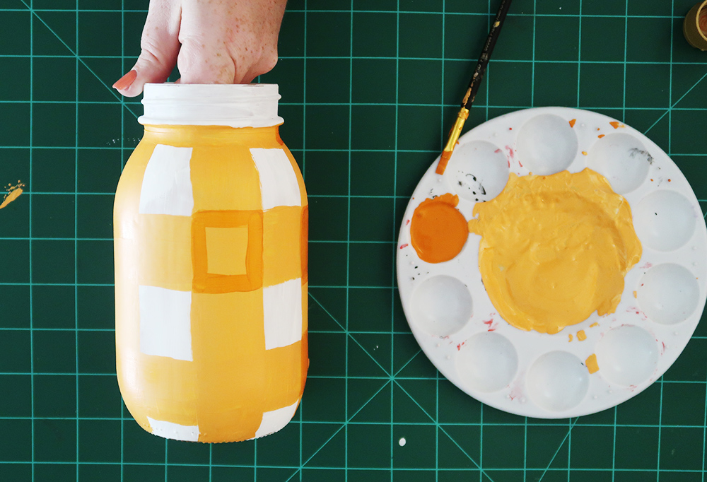 How to paint a buffalo check mason jar 5