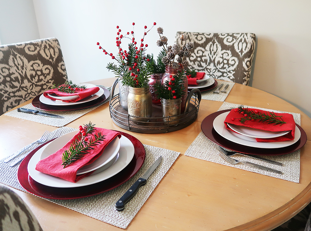 Christmas Table Setting and Decor 3