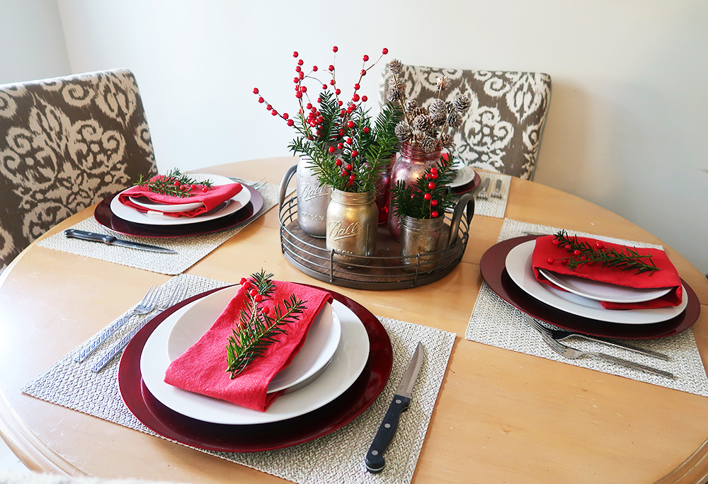 Christmas Table Setting and Decor