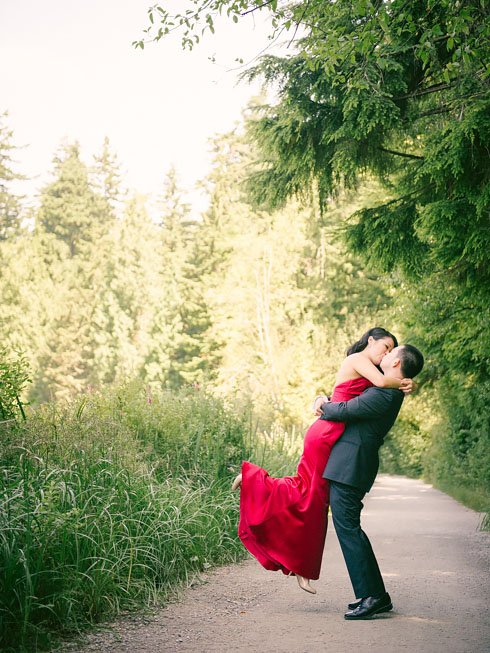 Vancouver Wedding Photography - Sandra & Calvin's Stanley Park Pre-Wedding Session