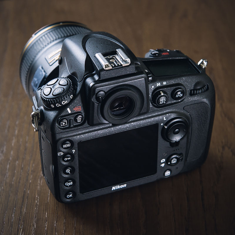 Nikon D800 with 85mm - back