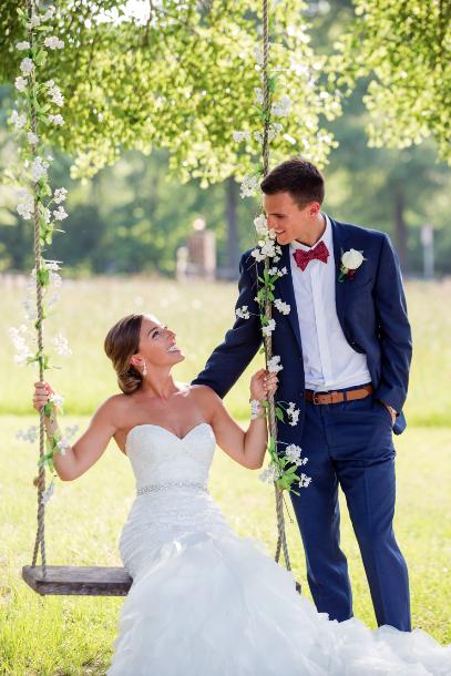 Conroe-CarraigeHouse-Wedding.png