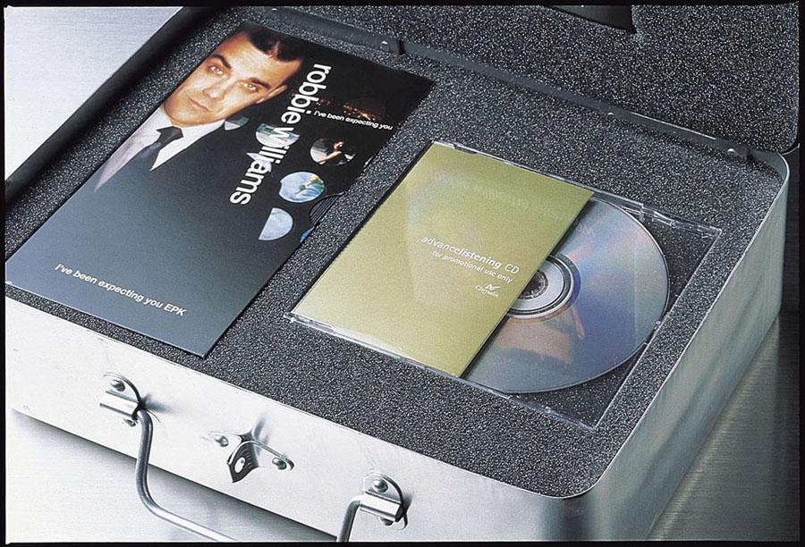 Robbie Williams Press kit (1998)