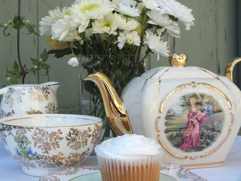 Vintage tea party by The Chipping Norton Tea Set