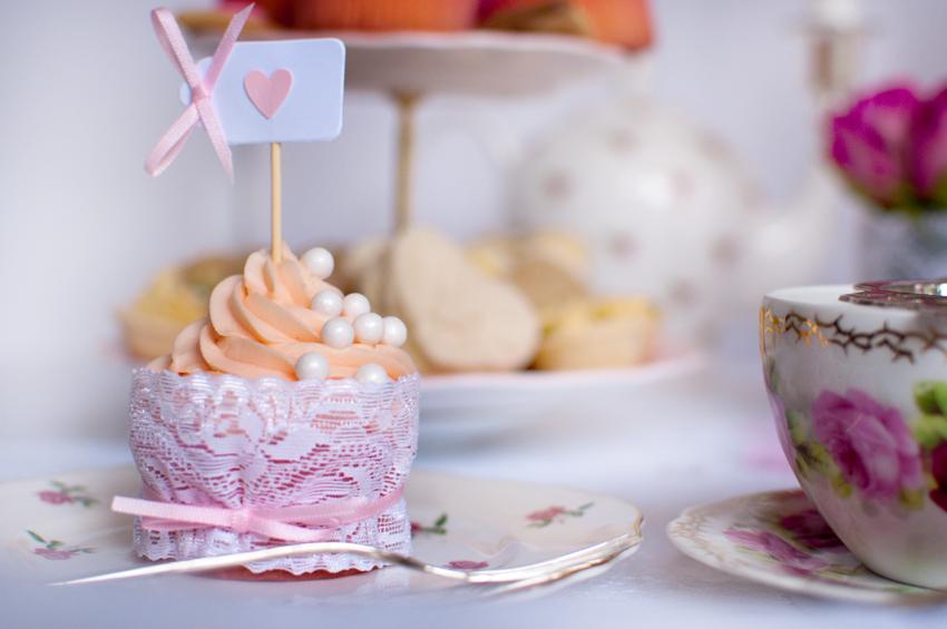 Valentines cupcake by The Chipping Norton Tea Set
