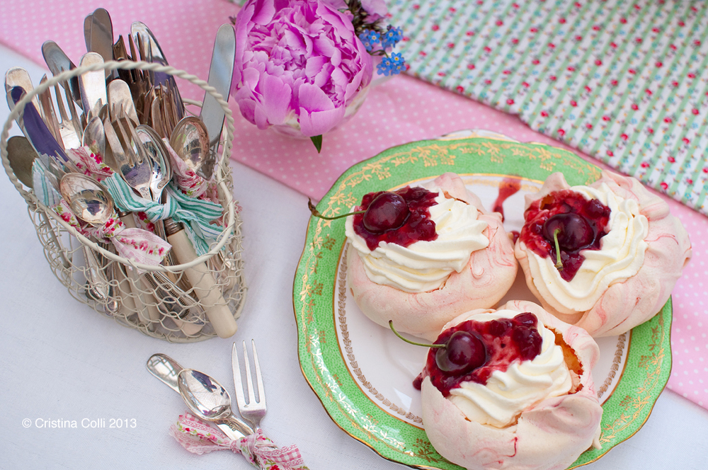 Marbled pink mini pavlovas by The Chipping Norton Tea Set