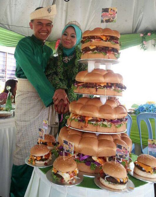 Burger_wedding_cake_1.png