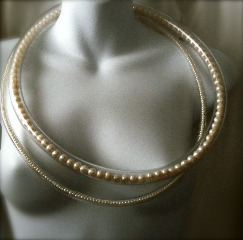 modern girl pearls