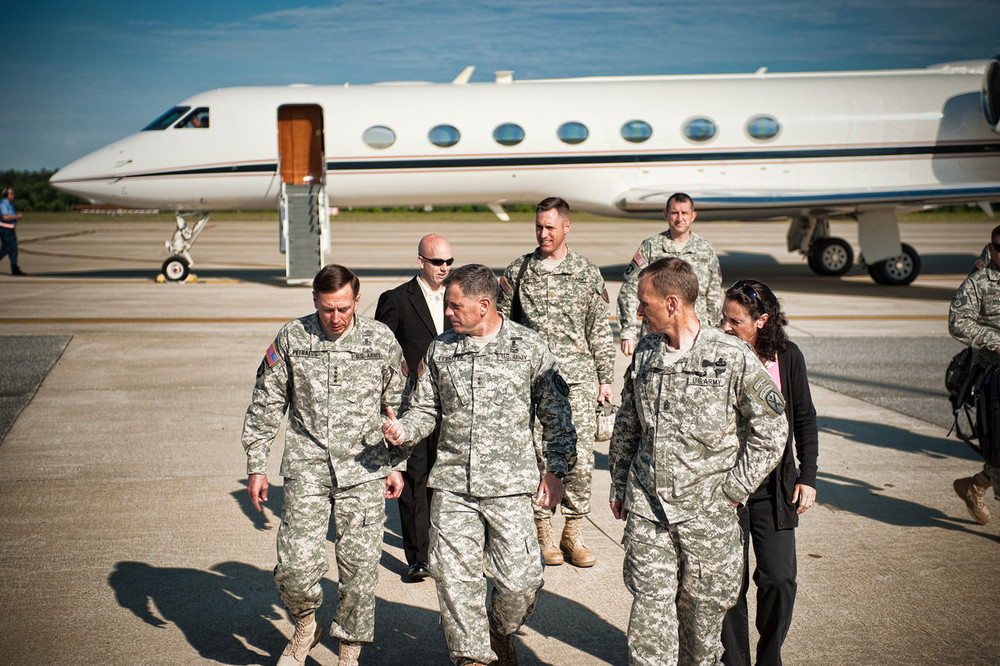 General Petraeus arrives at Fort Benning