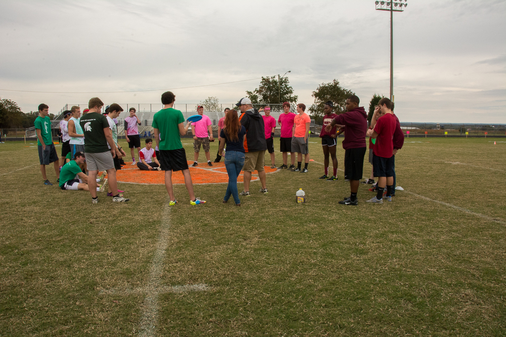 Ultimate Frisbee getting ready to start the tournament