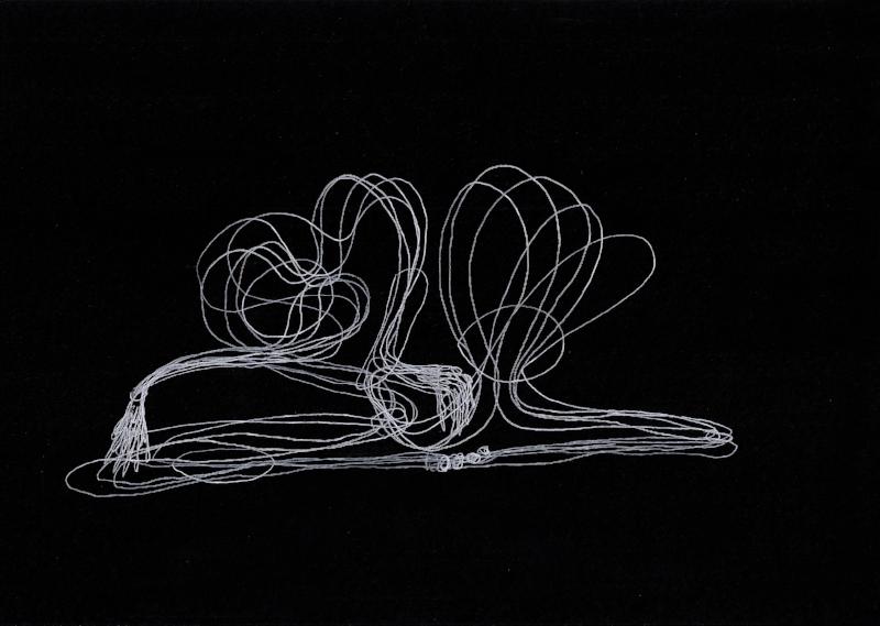 distancia recoberta_ensaio_partitura | 2014 | Desenho | caneta rollerball de tinta gel branca | 21 x 29,7 cm