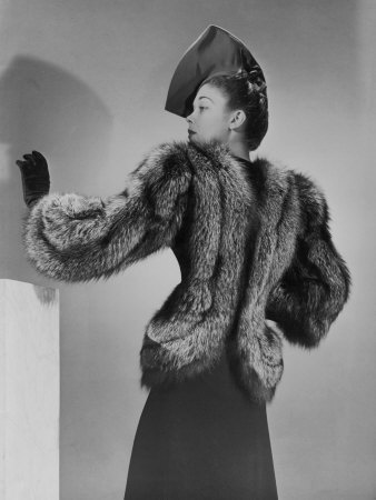 The most fashionable. Unknown model and unknown photographer, 1940s.