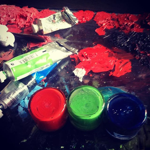 Taking a #break from @commafive #fun to mix up the #oilpaint for my next set of #sketches