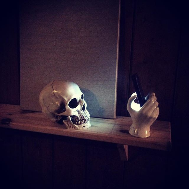 #skull in #screenlight #installation #lizbarilepage @commafive @plymouthartweekender @madeinplymouth