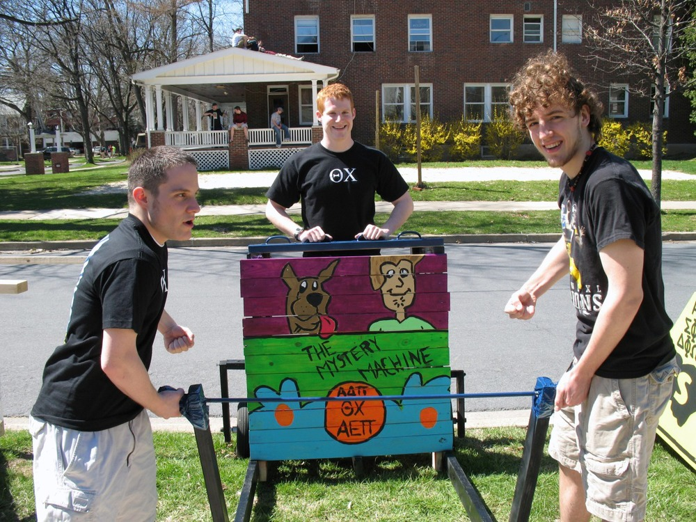 greekweek-apr-07-12.jpg